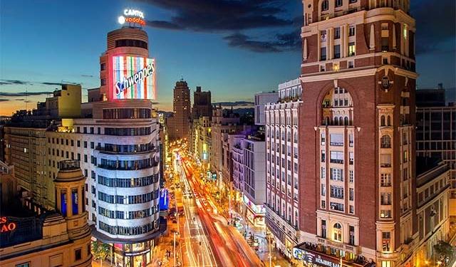 Vista notturna a Madrid